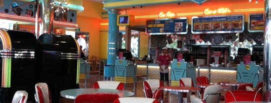 Mel's Drive-In is one of Halal Restaurants in Universal Studios Singapore.