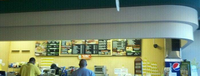 TOGO'S Sandwiches is one of สถานที่ที่ JEREMY ถูกใจ.