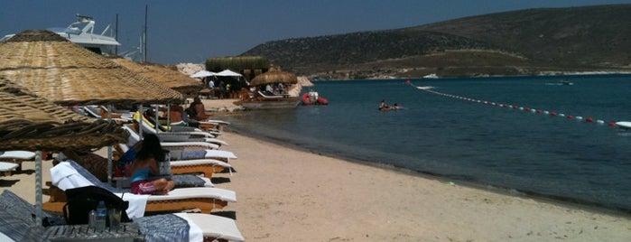 Bu Bi Beach is one of Çeşme ve Deniz.