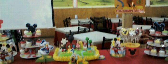 Restaurant Marisquería Marcoa is one of สถานที่ที่ Luis ถูกใจ.