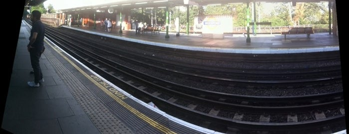 Woodford London Underground Station is one of Underground Stations in London.