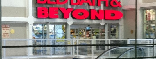 Bed Bath & Beyond is one of Lugares favoritos de Marcos.