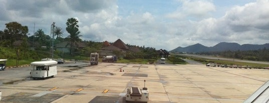 Samui International Airport (USM) is one of Asia - done / to do.