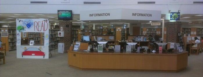 Pohick Regional Library is one of Orte, die Lisa gefallen.