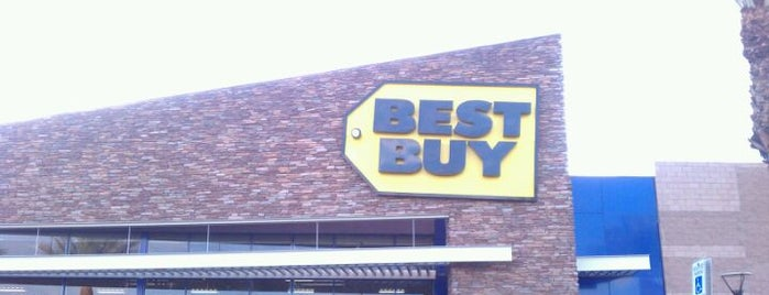 Best Buy is one of Lugares favoritos de Stephanie.