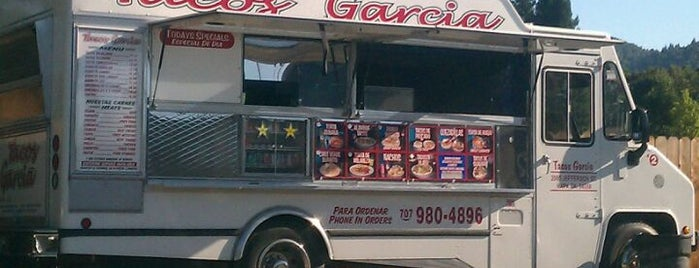 Tacos Garcia is one of Lugares guardados de Lauren.