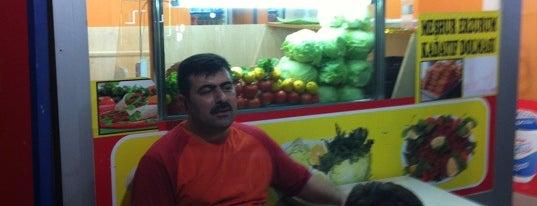 Çiğ köfteci Emin Usta is one of Tempat yang Disukai Eser.