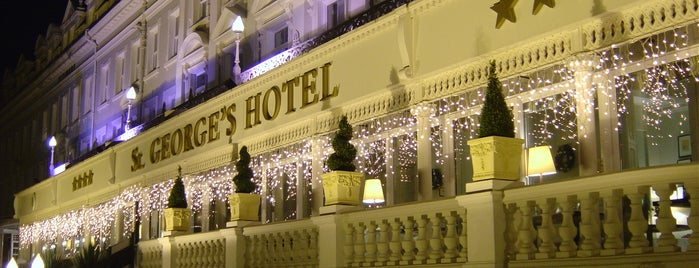 St George's Hotel is one of Lugares favoritos de Carl.