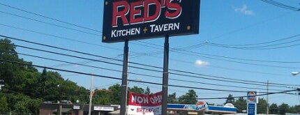 Red's Kitchen & Tavern is one of Peter's Liked Places.