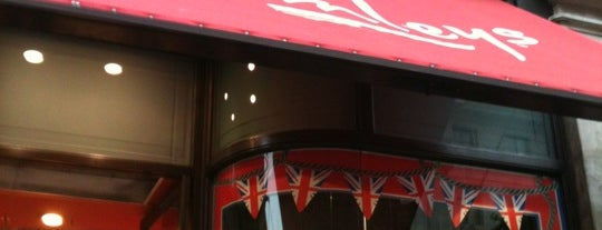 Hamleys is one of Places to Visit in London.