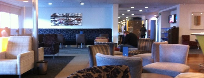 BA Galleries First Lounge is one of Posti che sono piaciuti a Hideo.