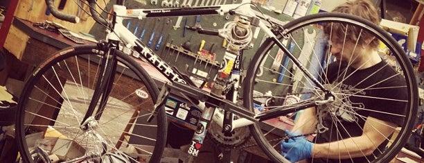 Pedal Revolution is one of Locais curtidos por Joshua.