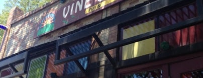 Vine Street Pub & Brewery is one of Chelly 님이 저장한 장소.