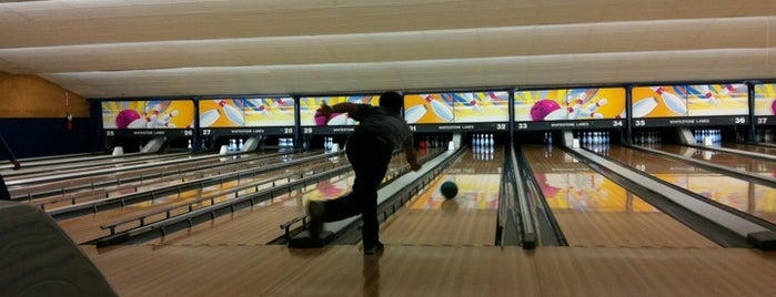 Whitestone Lanes Bowling Centers is one of Centros sociais ..