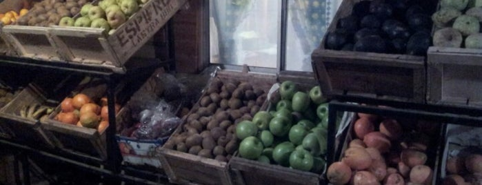 Frutas y verduras G&O is one of สถานที่ที่ Valeria ถูกใจ.