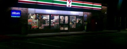 7-Eleven is one of Orte, die Tammy gefallen.