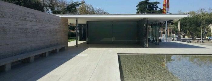 Mies van der Rohe Pavilion is one of Barcelona en 5 días.