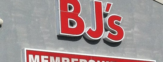 BJ's Wholesale Club is one of Locais curtidos por Jim.