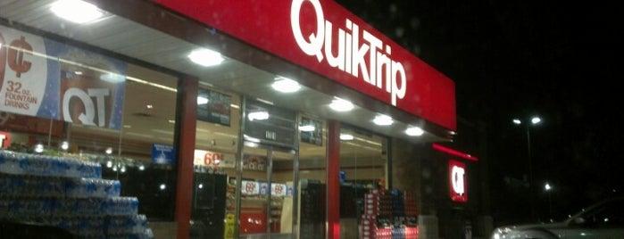 QuikTrip is one of สถานที่ที่ Droo ถูกใจ.