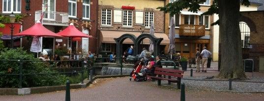 Grand Café Neubourg is one of Orte, die Dirk gefallen.