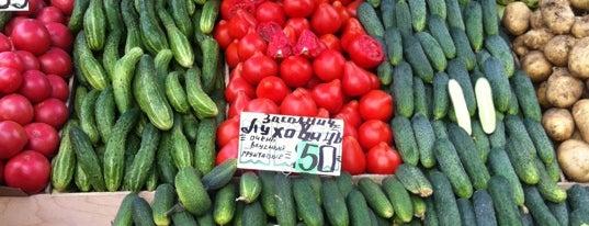 Лосиноостровский рынок is one of Lugares favoritos de Anastasiska.