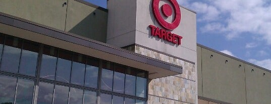 Target is one of Lindsayeさんのお気に入りスポット.