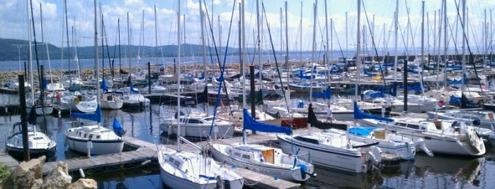 Lake City Marina is one of Lugares favoritos de Brittany.