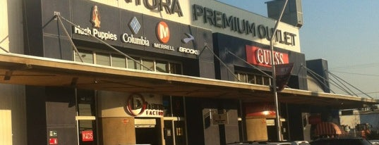 Arauco Premium Outlet Buenaventura is one of Por ai... em Santiago (Chile).