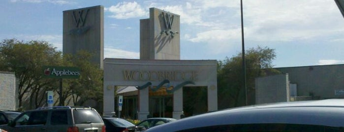 Woodbridge Center Mall is one of New Jersey Shopping Malls.