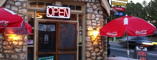 Rock Store Bar-B-Q is one of Gespeicherte Orte von Chuck.