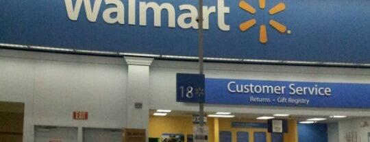 Walmart is one of สถานที่ที่บันทึกไว้ของ Raul.