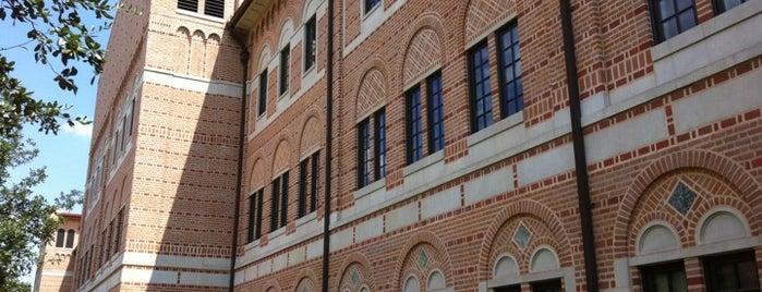 Jones Graduate School of Business (Rice University) is one of Locais curtidos por Aimee.