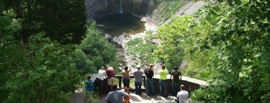 Falls Overlook is one of Fingerlakes Transport an Tour Service.