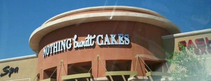 Nothing Bundt Cakes is one of สถานที่ที่ Yvonne ถูกใจ.