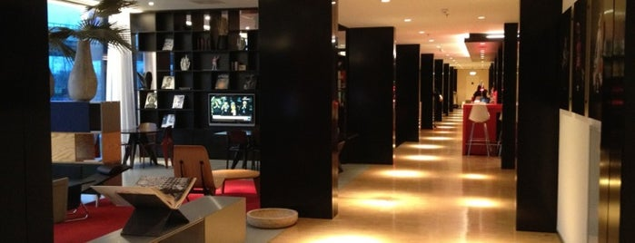 citizenM Schiphol Airport is one of Tempat yang Disukai SV.