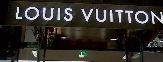 Louis Vuitton is one of ATL_Hunter 님이 좋아한 장소.