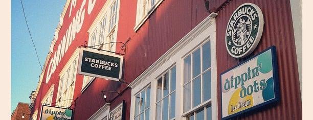 Starbucks is one of Lugares favoritos de William.