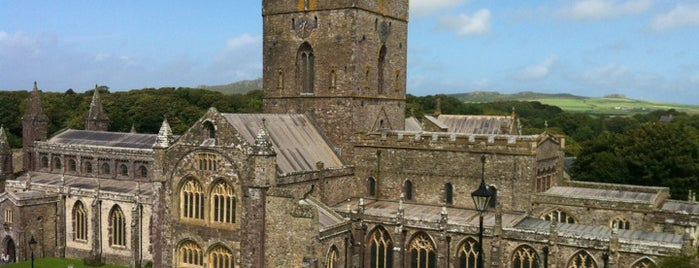 St Davids Cathedral is one of Posti che sono piaciuti a Carl.
