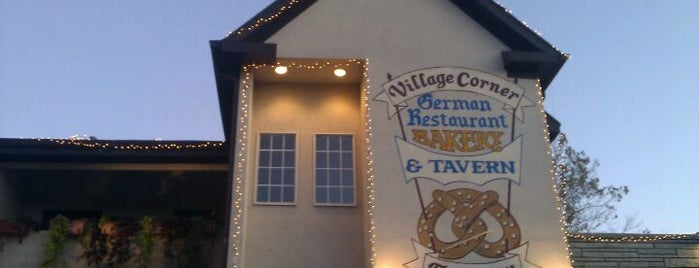The Village Corner German Restaurant & Tavern is one of Locais curtidos por Jeff.