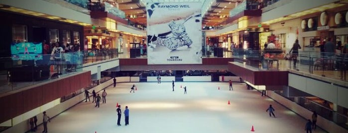 The Galleria is one of Damn 님이 좋아한 장소.