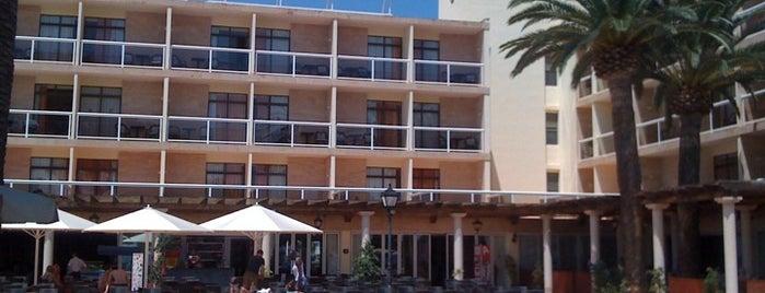 Hotel ME Ibiza is one of Des hôtels en Espagne adaptés aux enfants.