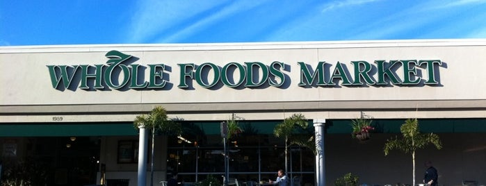 Whole Foods Market is one of Drew 님이 좋아한 장소.
