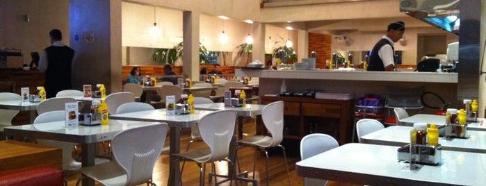 Achapa Hamburger is one of Restaurantes, Bares e Coffee Shops favoritos.