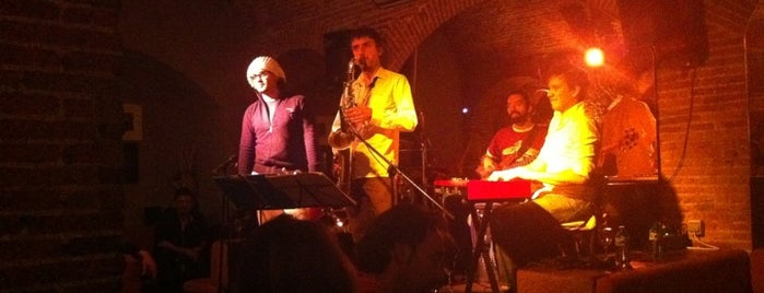 El Paraigua is one of Live Music Bars in BCN.