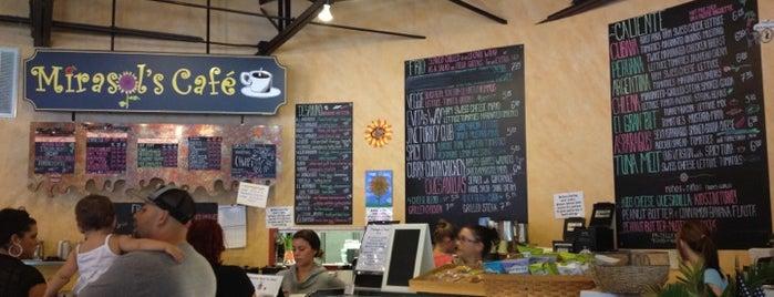Mirasol's Cafe is one of สถานที่ที่ Rick ถูกใจ.