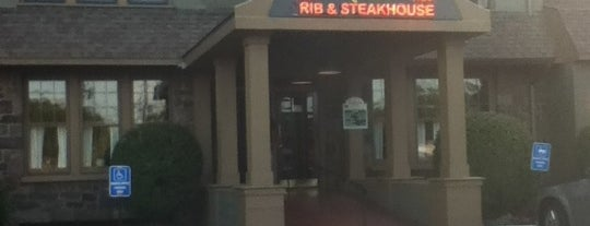 Bailey's Rib and Steakhouse is one of Lugares guardados de Lizzie.