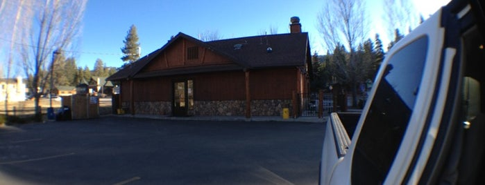 Grizzly's Bear Belly Deli is one of Big Bear Lake (Anti-Zombie Survival).