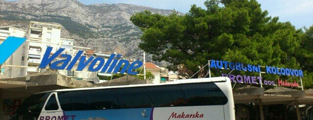 Autobusni kolodvor Makarska is one of Hunyadi been.