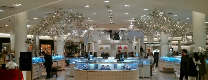 Saks Fifth Avenue is one of Posti che sono piaciuti a Dan.