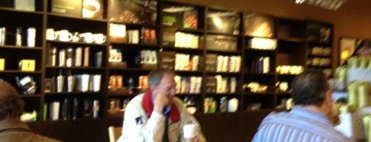 Starbucks is one of สถานที่ที่ Tannis ถูกใจ.